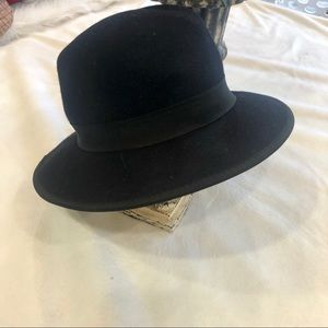 Forever 21 100% wool fedora winter hat